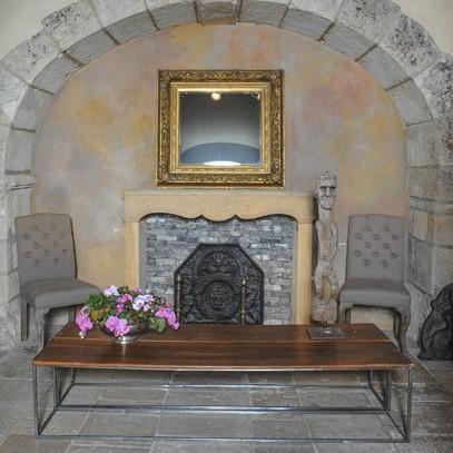 2 antieke walnoten salontafels