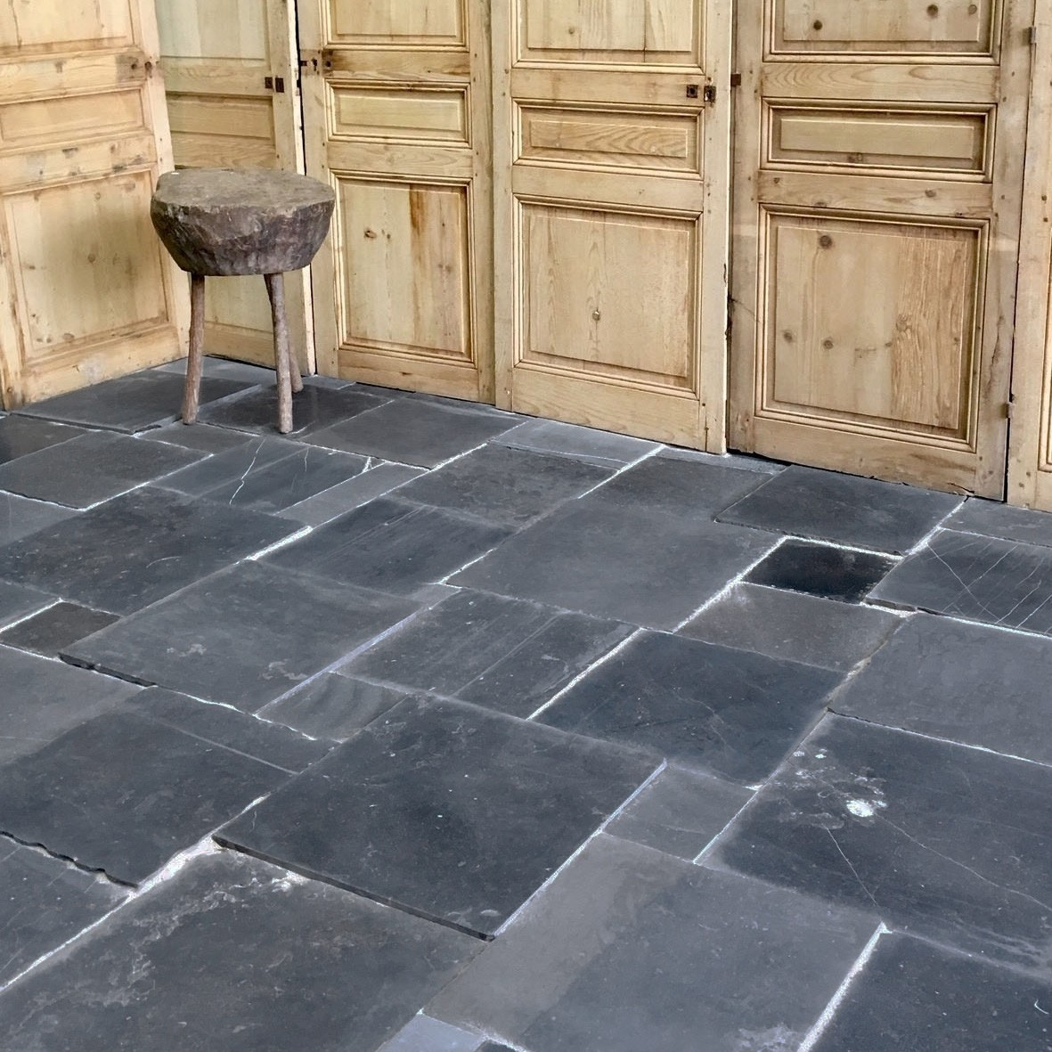 Antiek Belgisch hardsteen