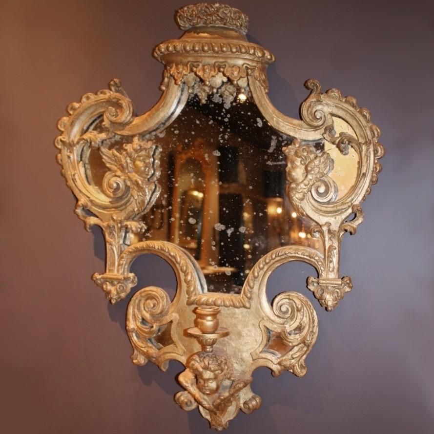 Barok gestoken en verguld houten spiegeltje