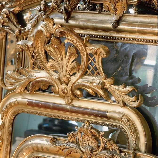 Antieke spiegels in diverse stijlen