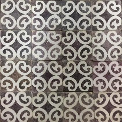 Antieke wandtegels met decoratief patroon