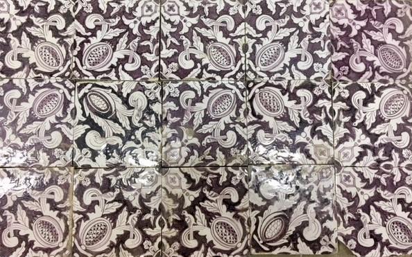 Antieke wandtegels met patroon