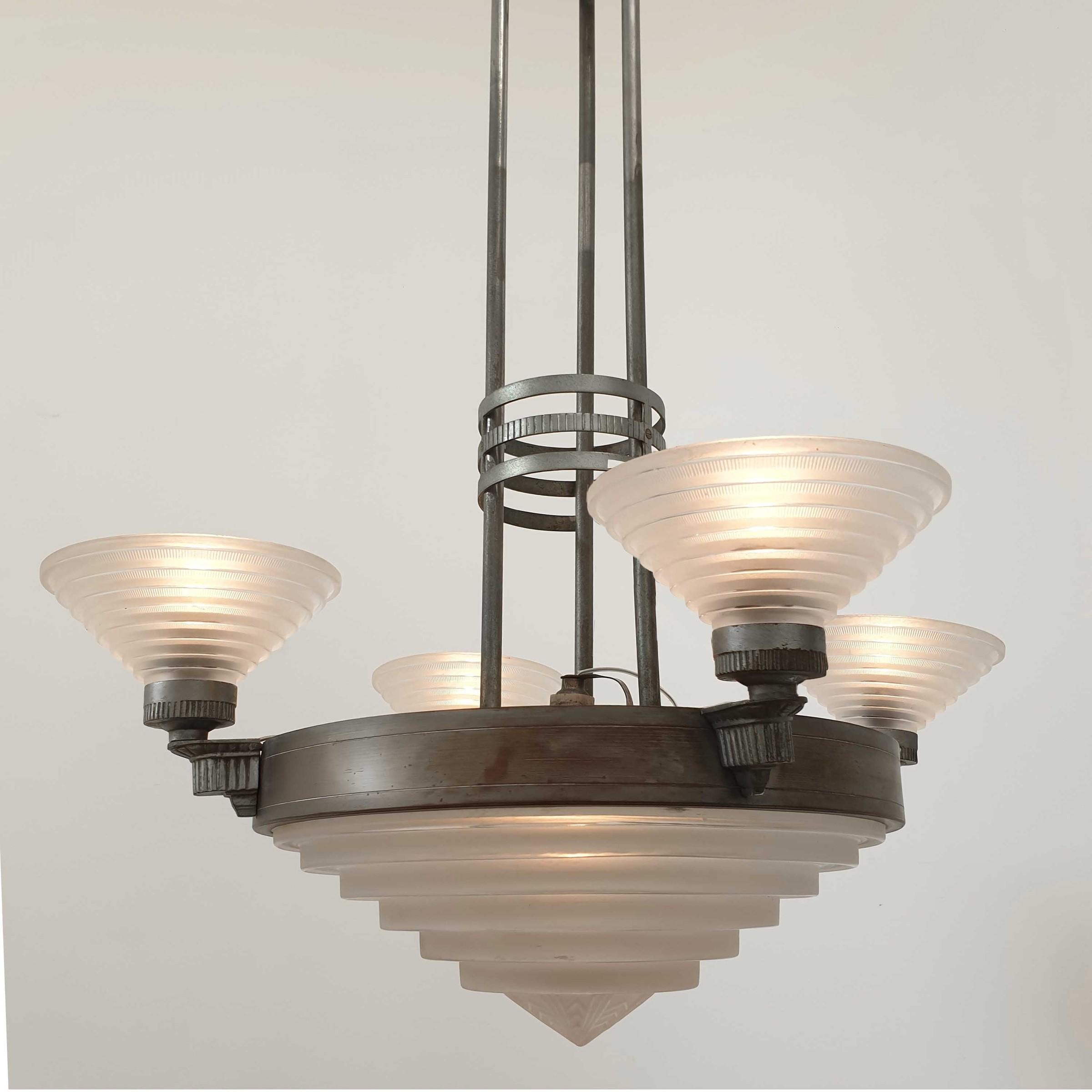 Art deco hanglamp door Jules Leleu