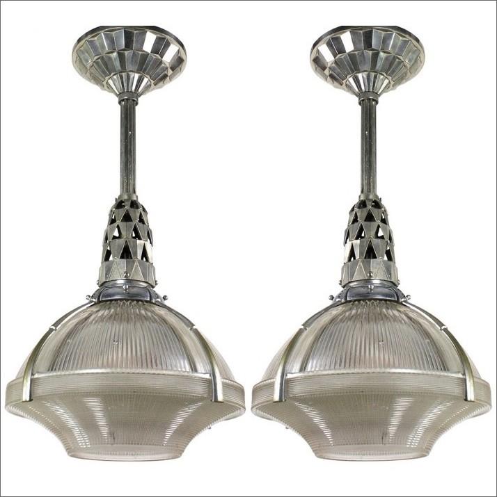 "Vernikkeld bronzen plafondlamp ""Holophane"" met glazen kap, ontwerp Jacques Emile Ruhlman, 1920"