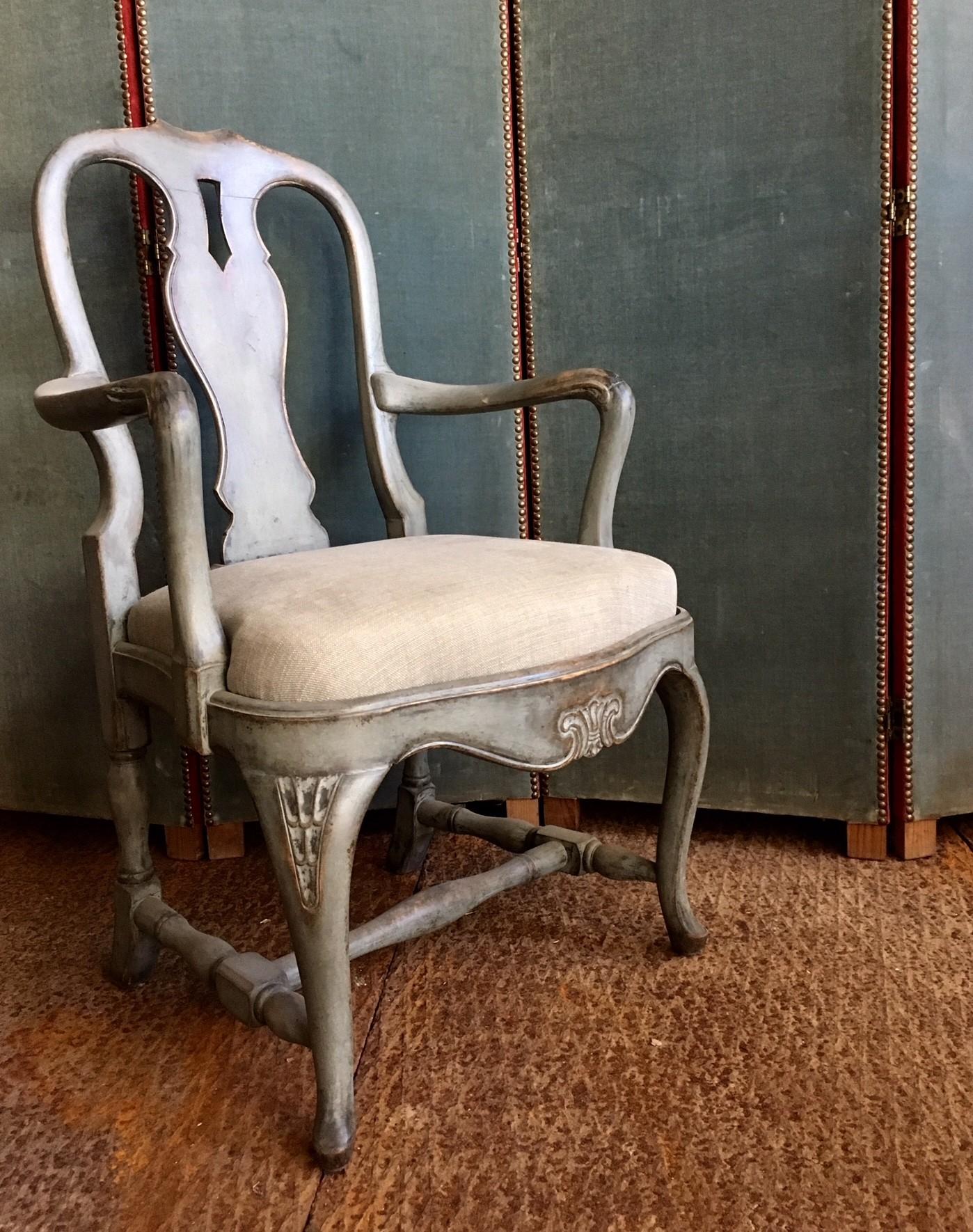 Twee antieke armfauteuils