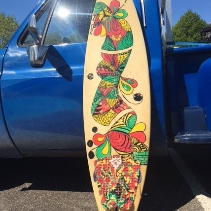 Vintage surfboards uit California hand beschilderd