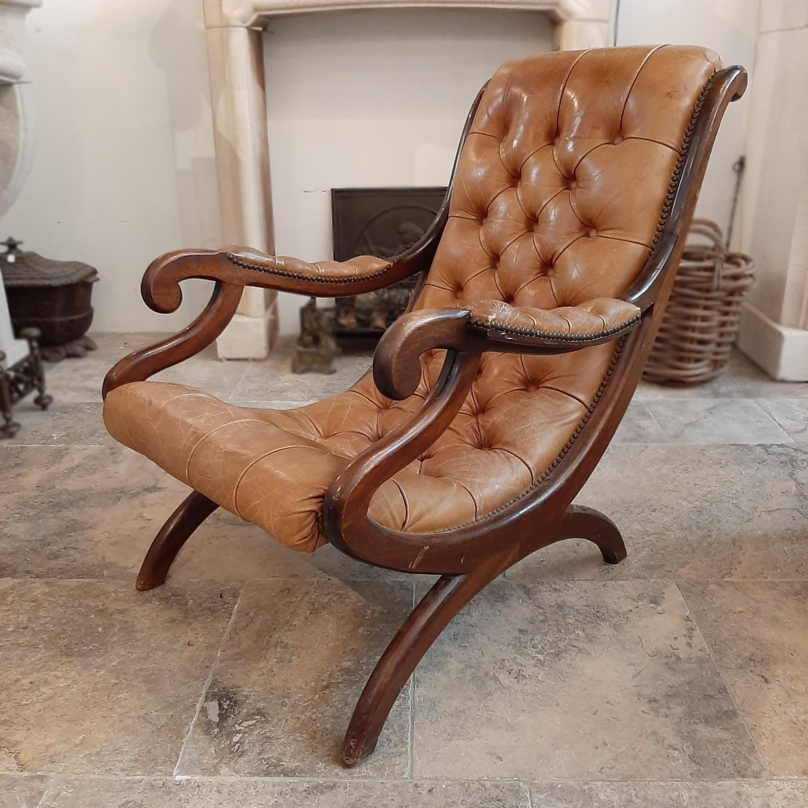 Oud Engelse chesterfield fauteuil