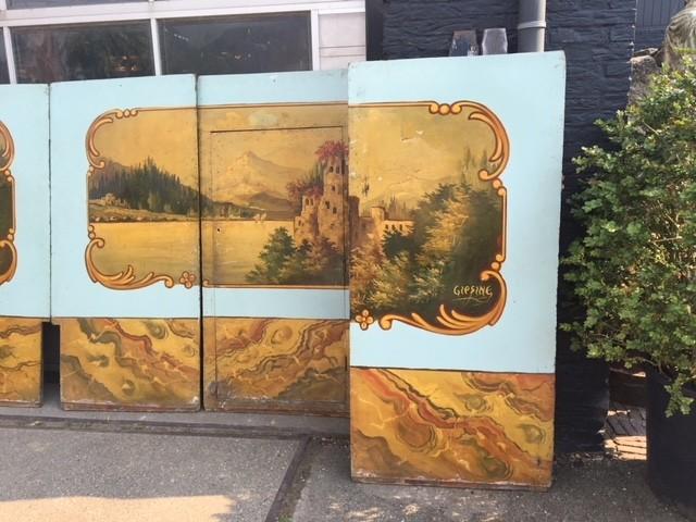 Oude beschilderde panelen uit een draaimolen