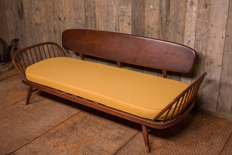 Vintage Ercol studio sofa (verkocht)