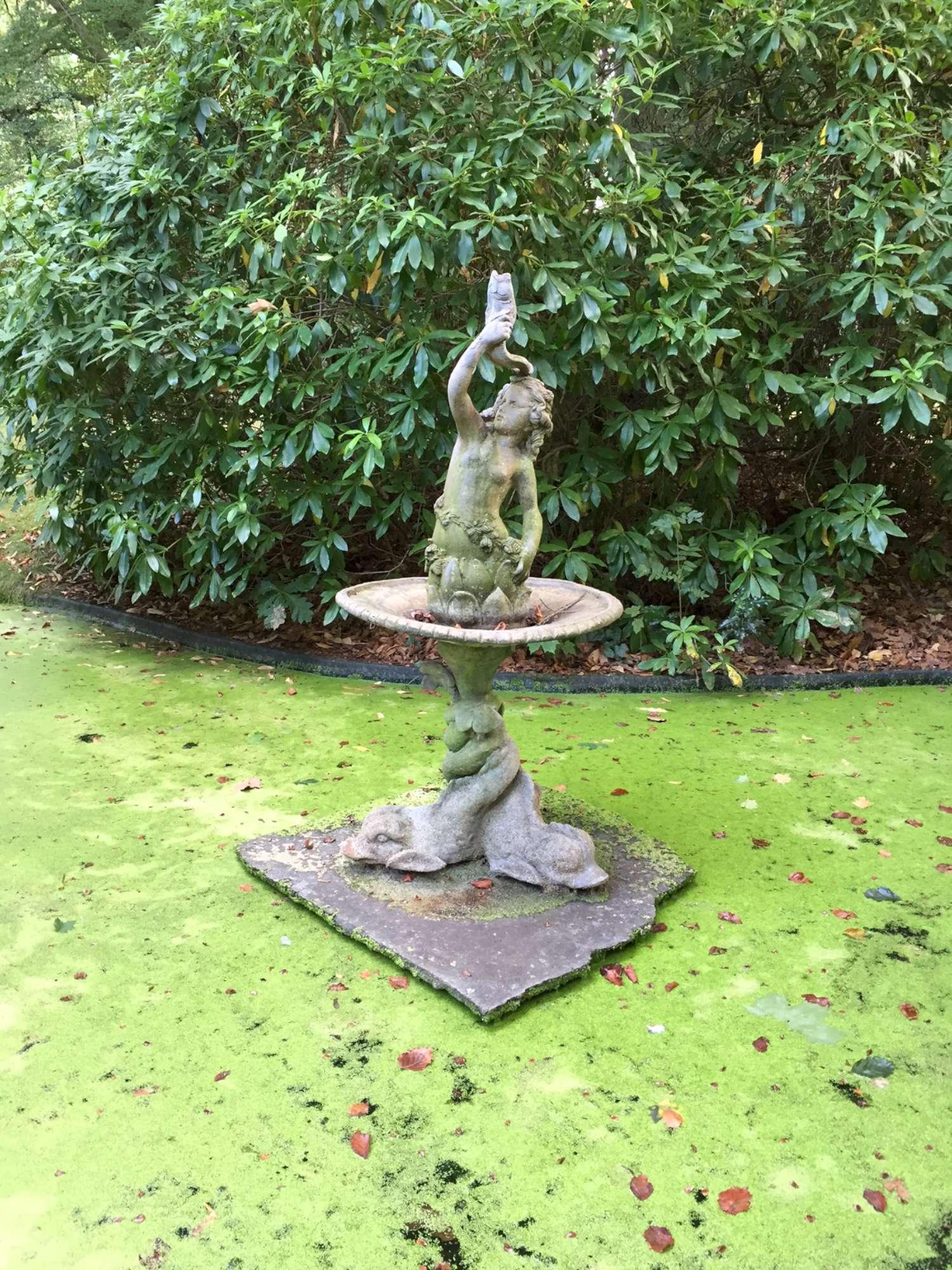 Antieke loden fontein