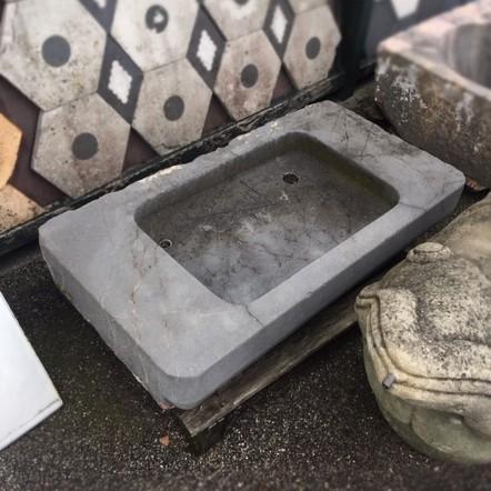 Wasbak van grijs marmer