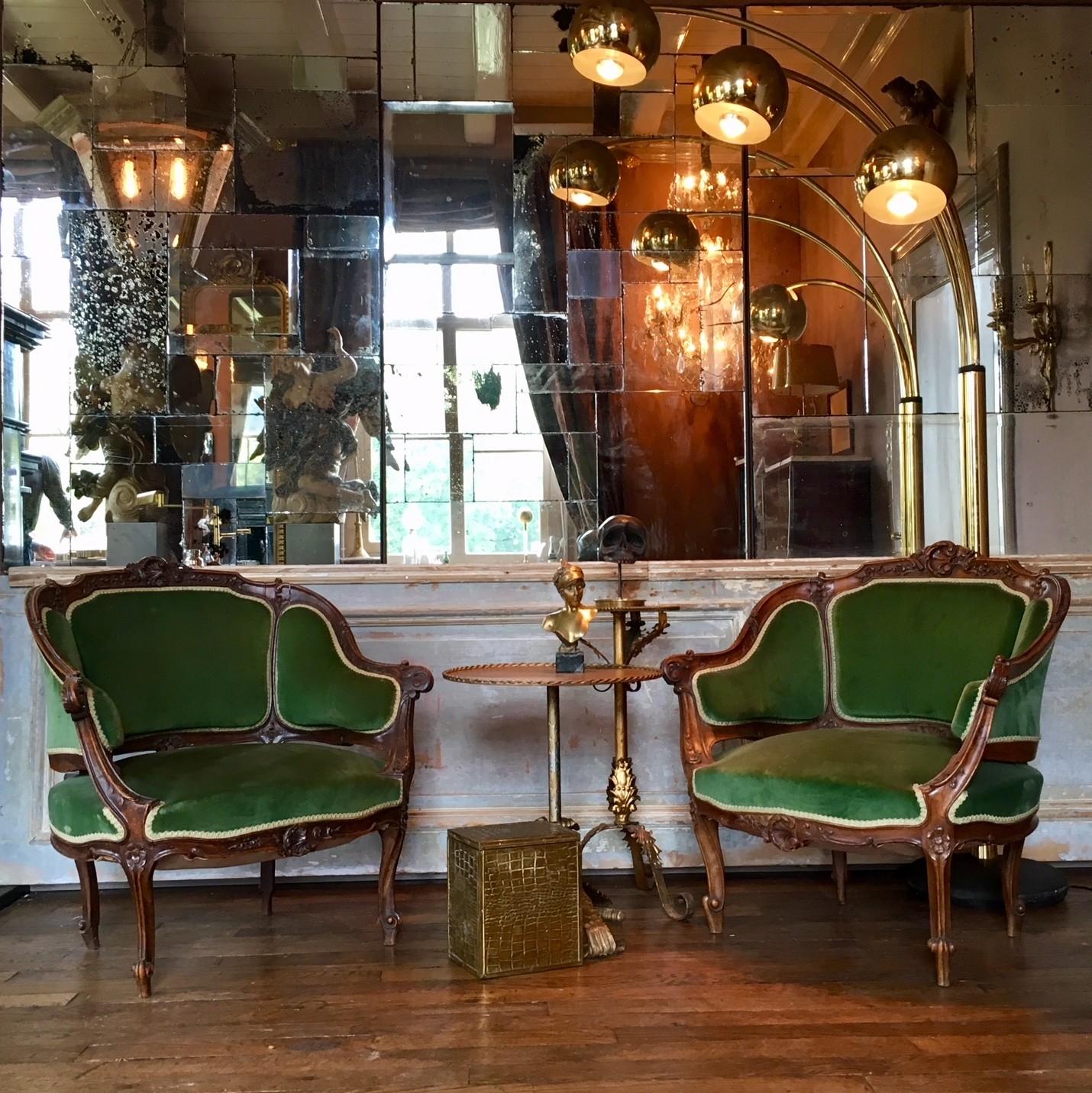 19de eeuwse sierlijke fauteuils