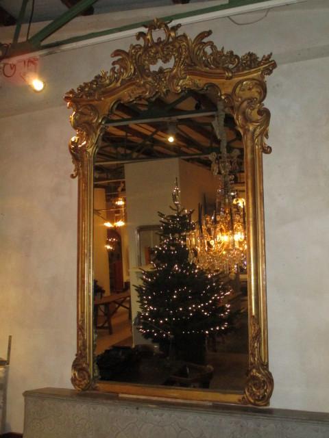 Kapitale antieke spiegel