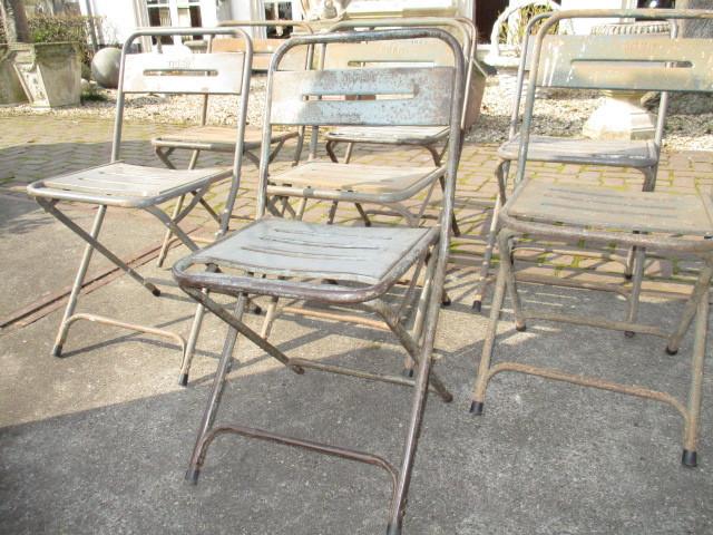 Partij oude metalen terras stoeltjes