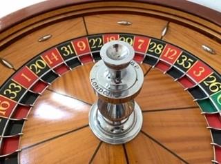 Grote professionele oude roulette (verkocht)