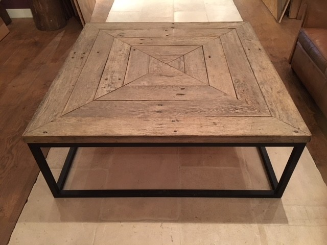 Grote vierkante coffee table  (verkocht)