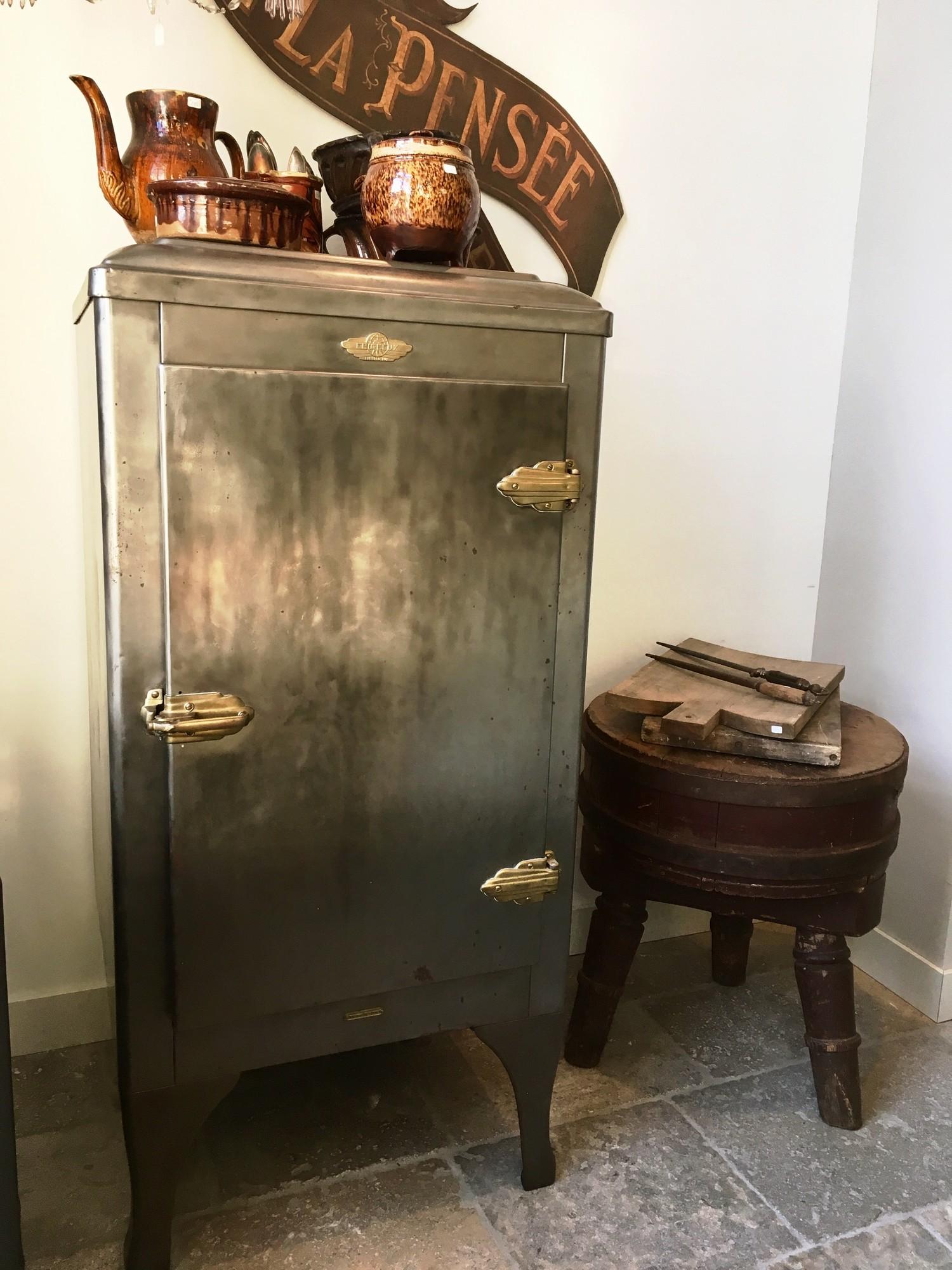 Begin 20e eeuwse koelkast