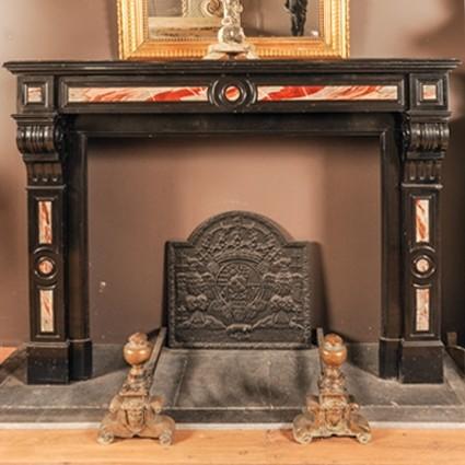 Laat 19e eeuwse zwart marmeren schouw