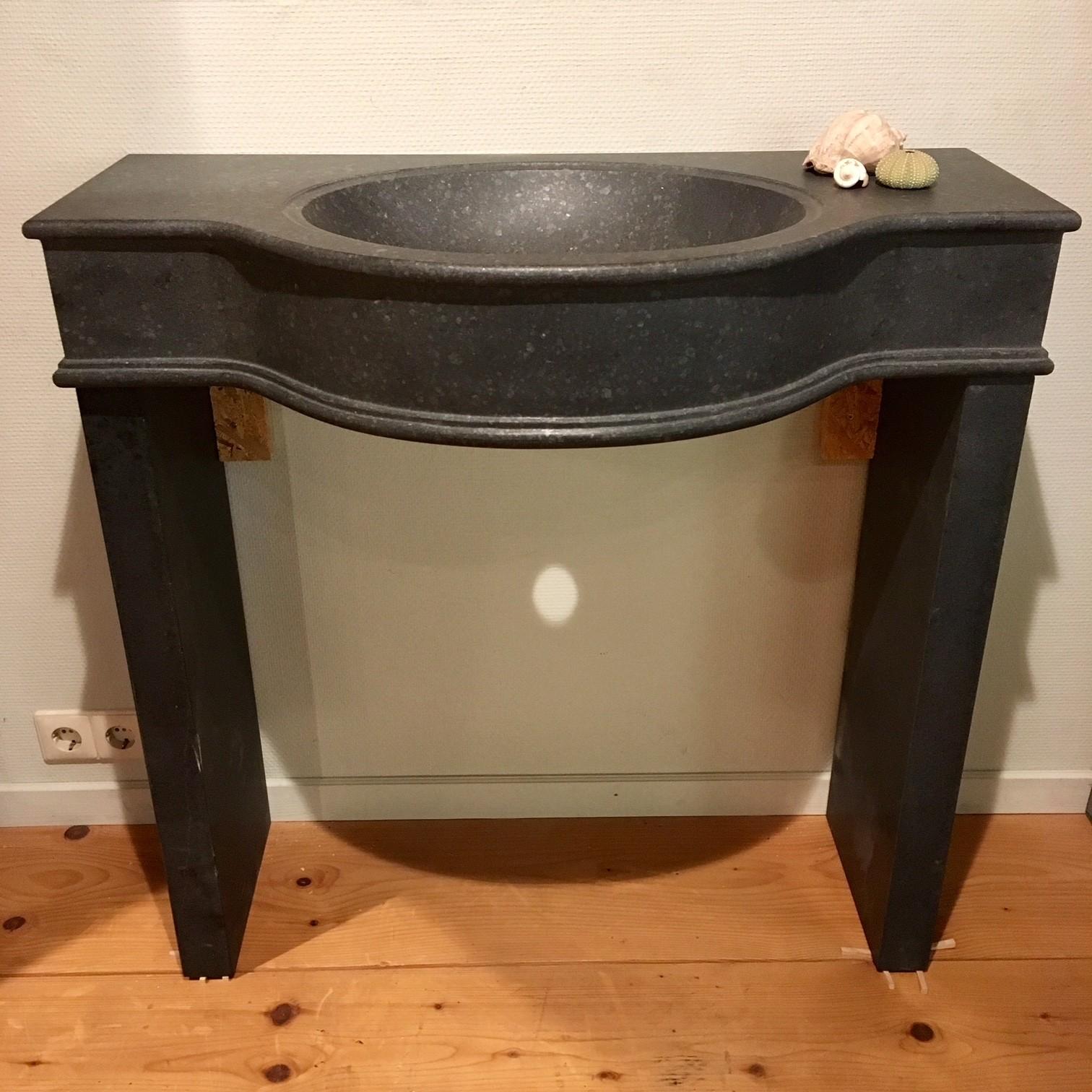 Natuurstenen wastafel/badkamermeubel