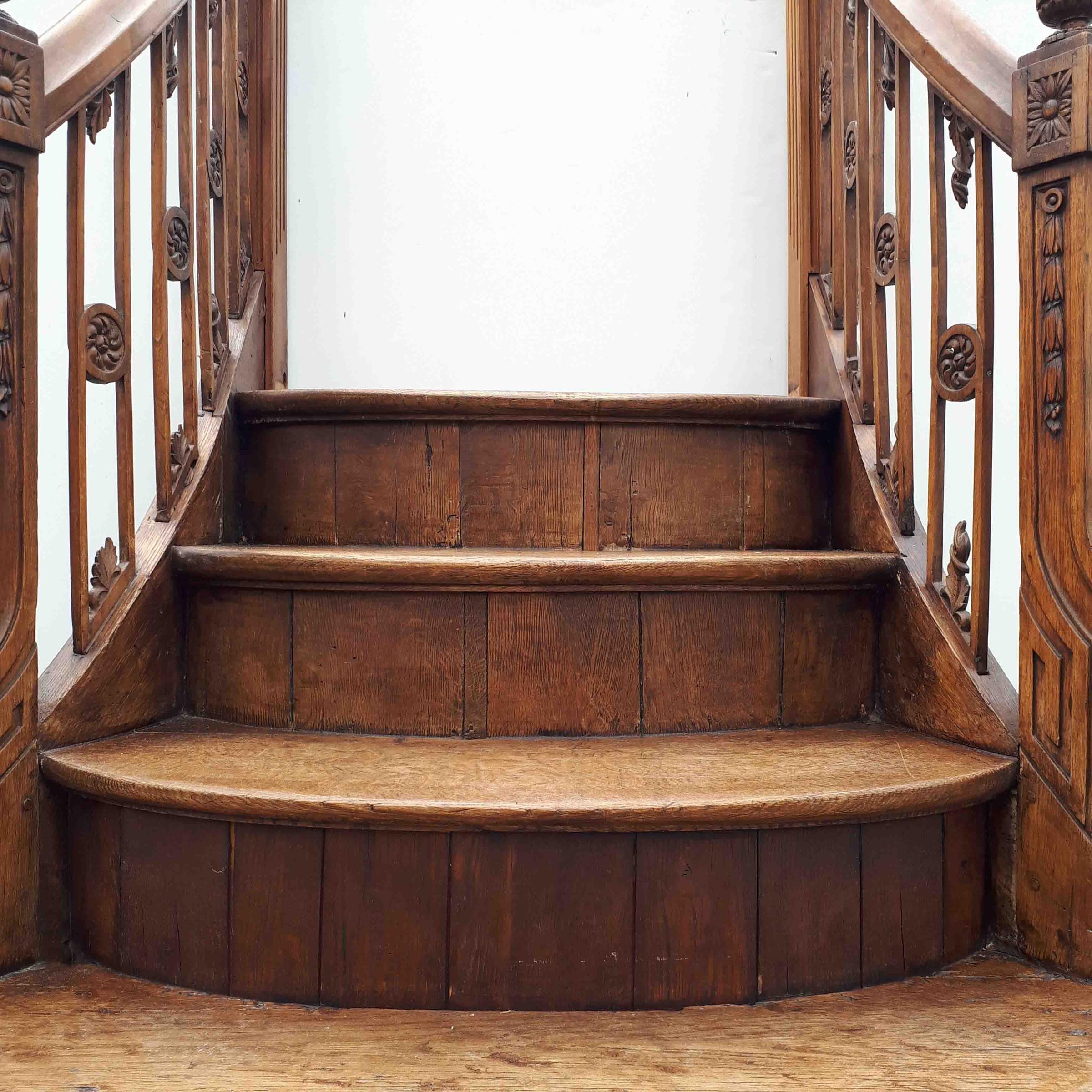 Antieke houten trap Lodewijk XVI stijl