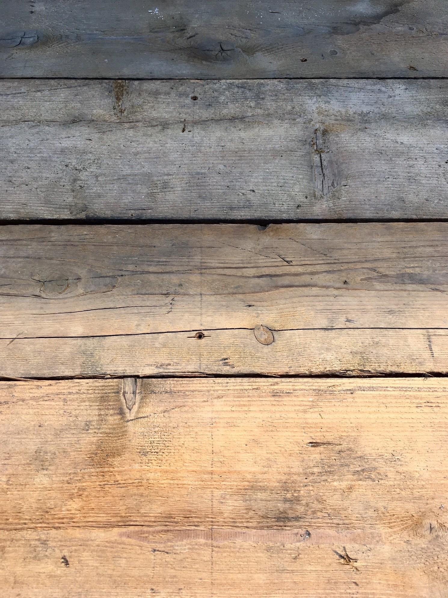Doorleefde oude grenen vloerdelen