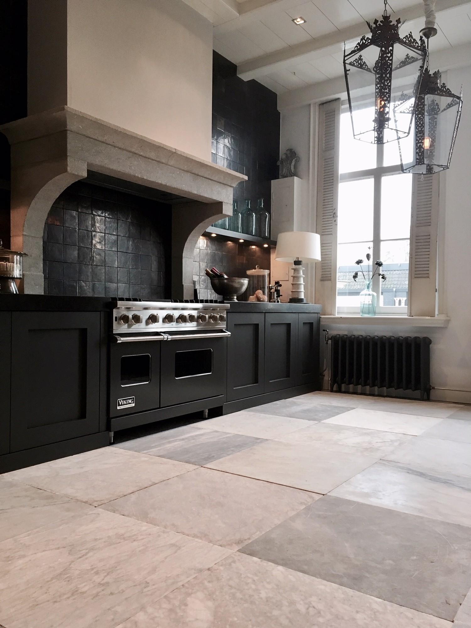 Unieke partij oude handgehakte carrara marmeren vloertegels interieur producten - Marmeren vloeren ...