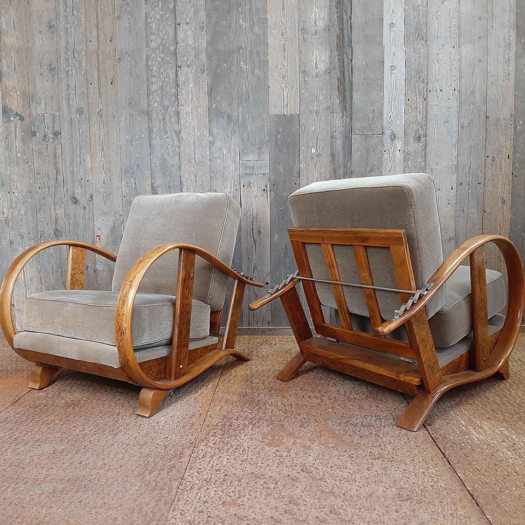 Paar Art Deco Jindrich Halabala fauteuils, vroeg 20e eeuw