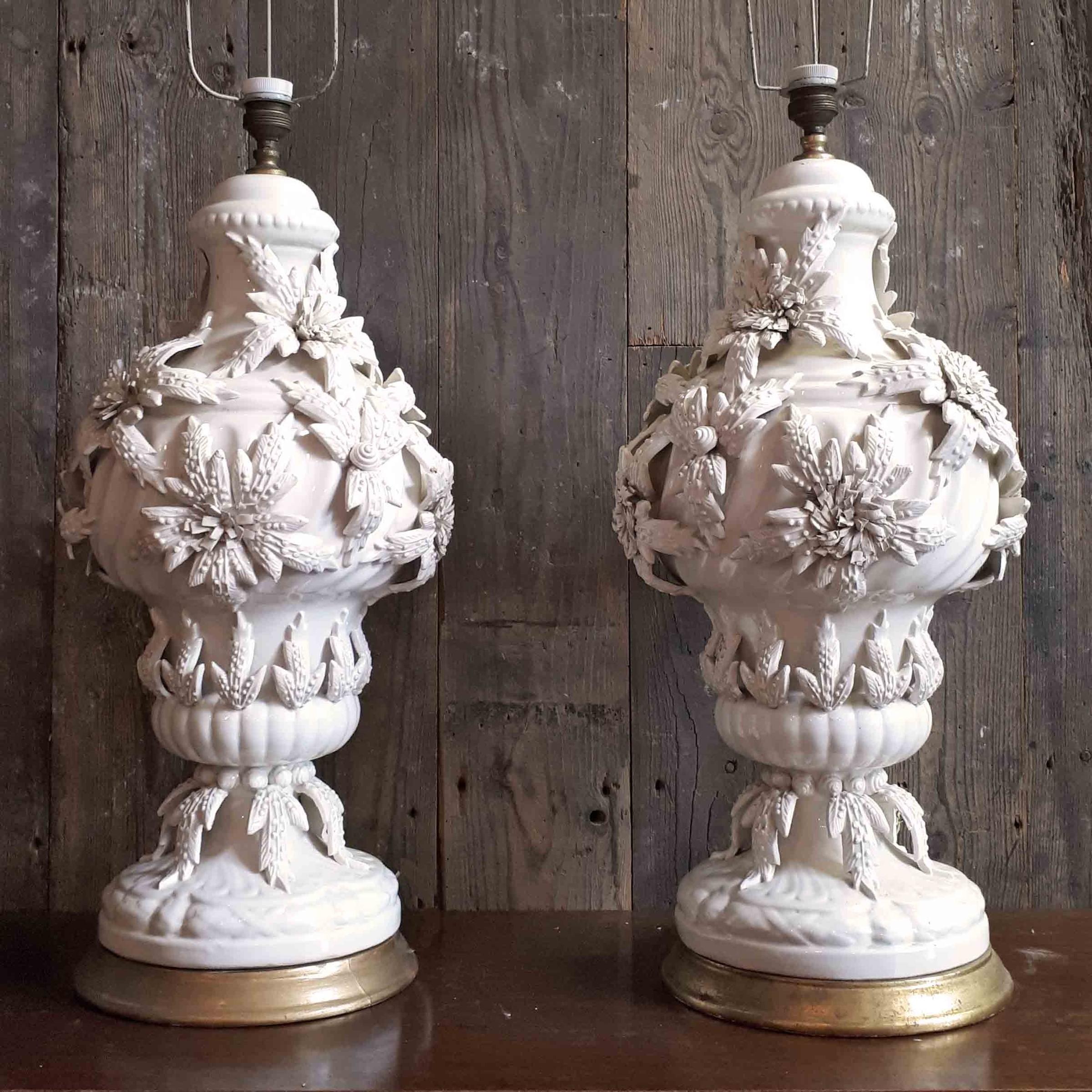 Paar midcentury manises keramische tafellamp voeten