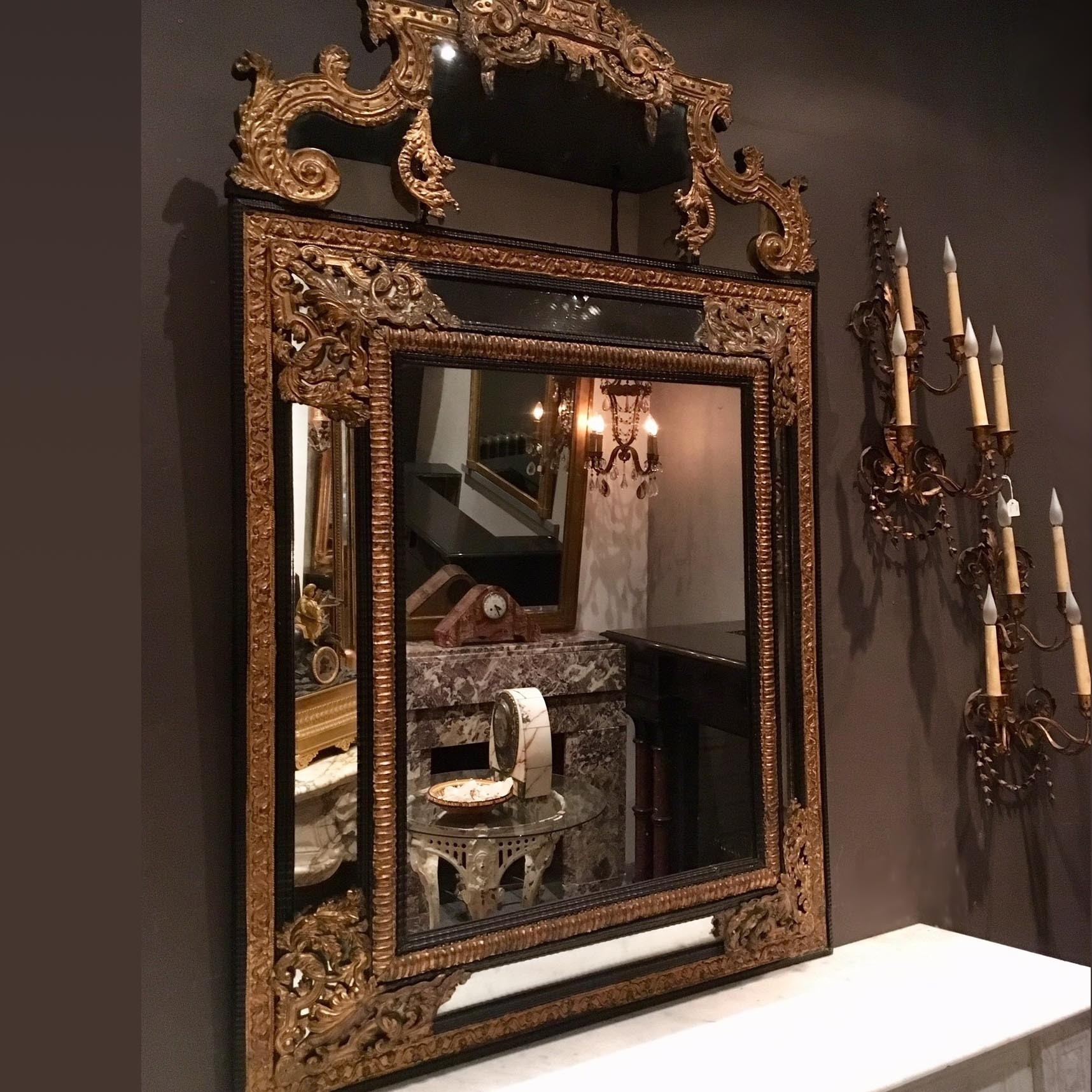 Prachtige rijk gedecoreerde spiegel