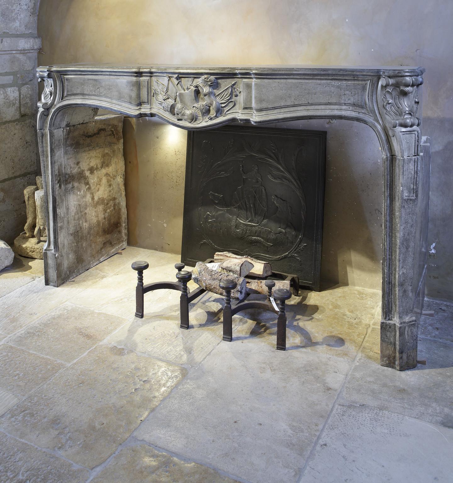Grote 18e eeuwse Franse barok openhaard