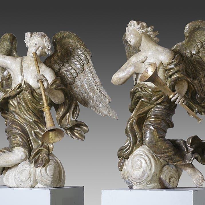 Paar 17.Jhdt. Engel aus Holz geschnitten
