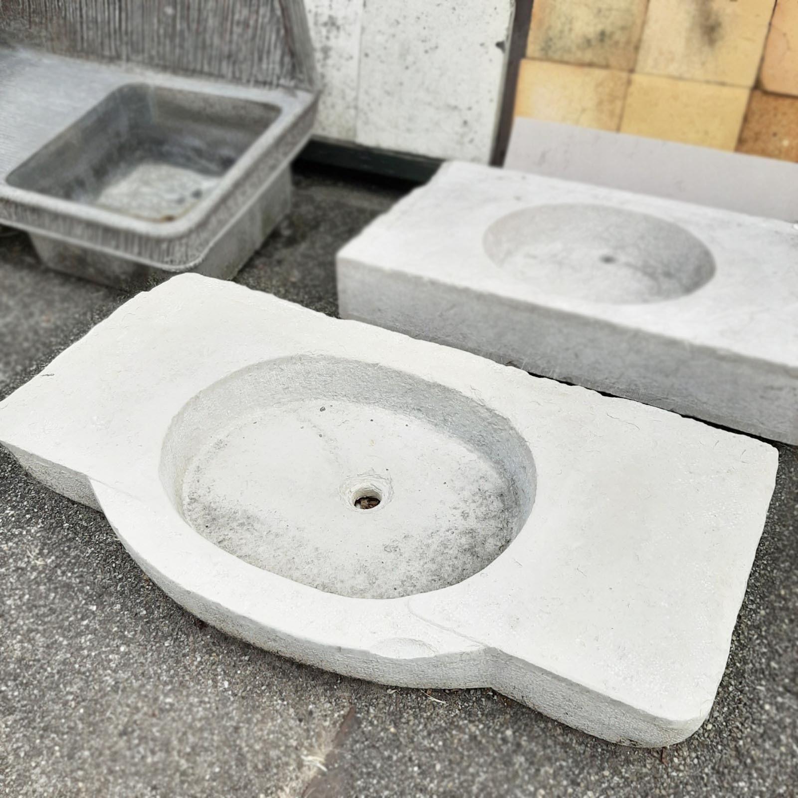 Wasbak uit bourgondisch steen
