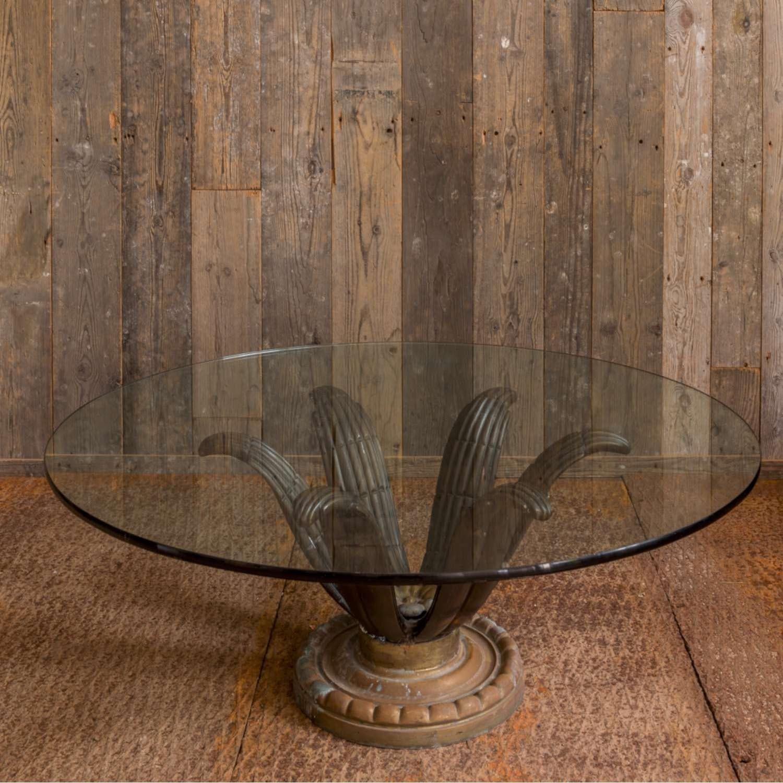 Vintage salontafel met bronzen voet