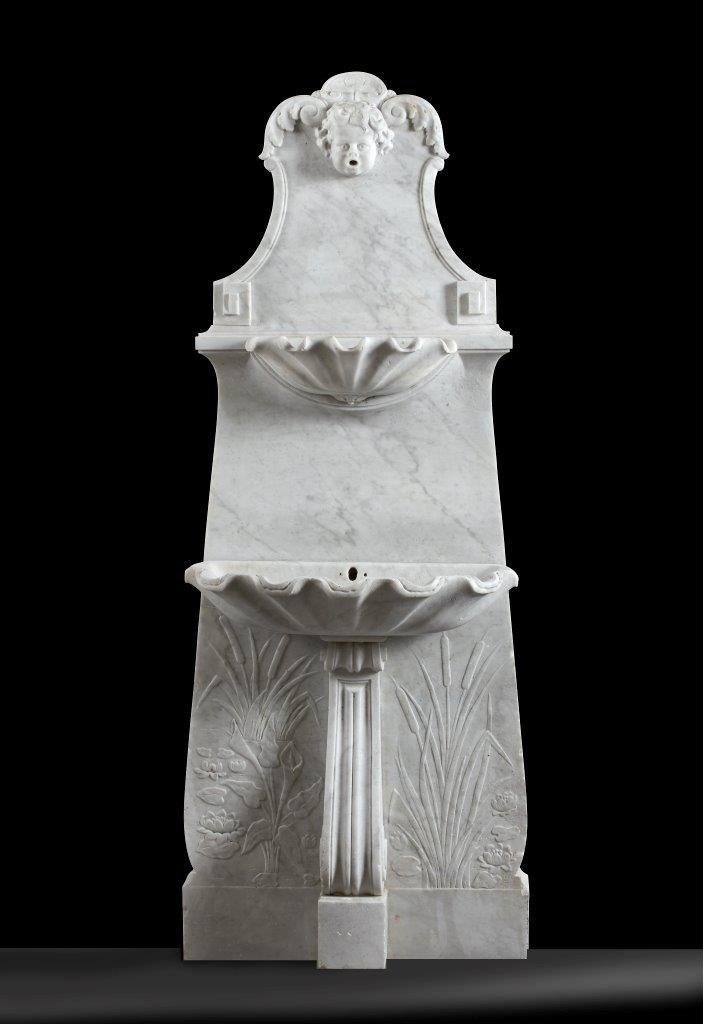 Decoratieve antieke marmeren wandfontein