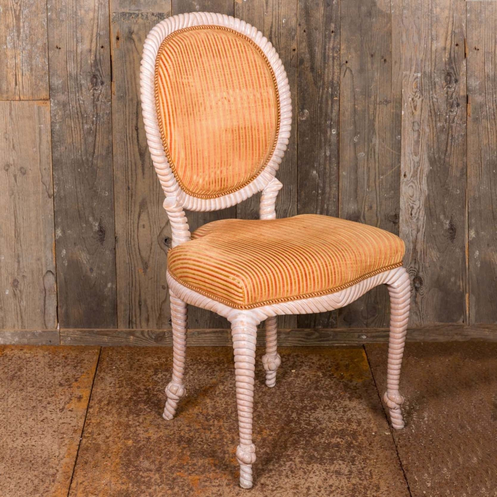 6 oude eetkamer stoelen