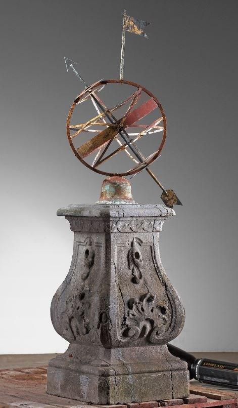 Antieke zonnewijzer armillairsfeer