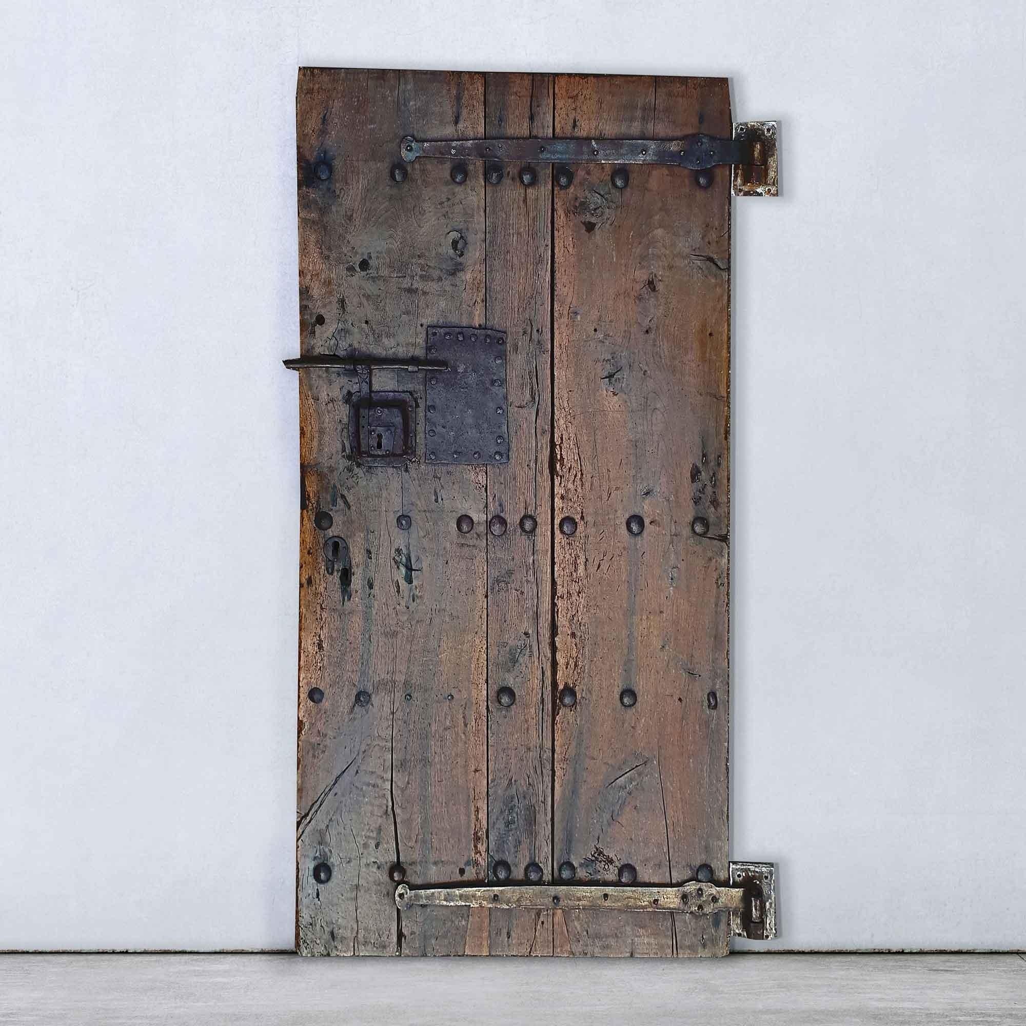 Antieke 17e-eeuwse Franse noten en eikenhouten deur