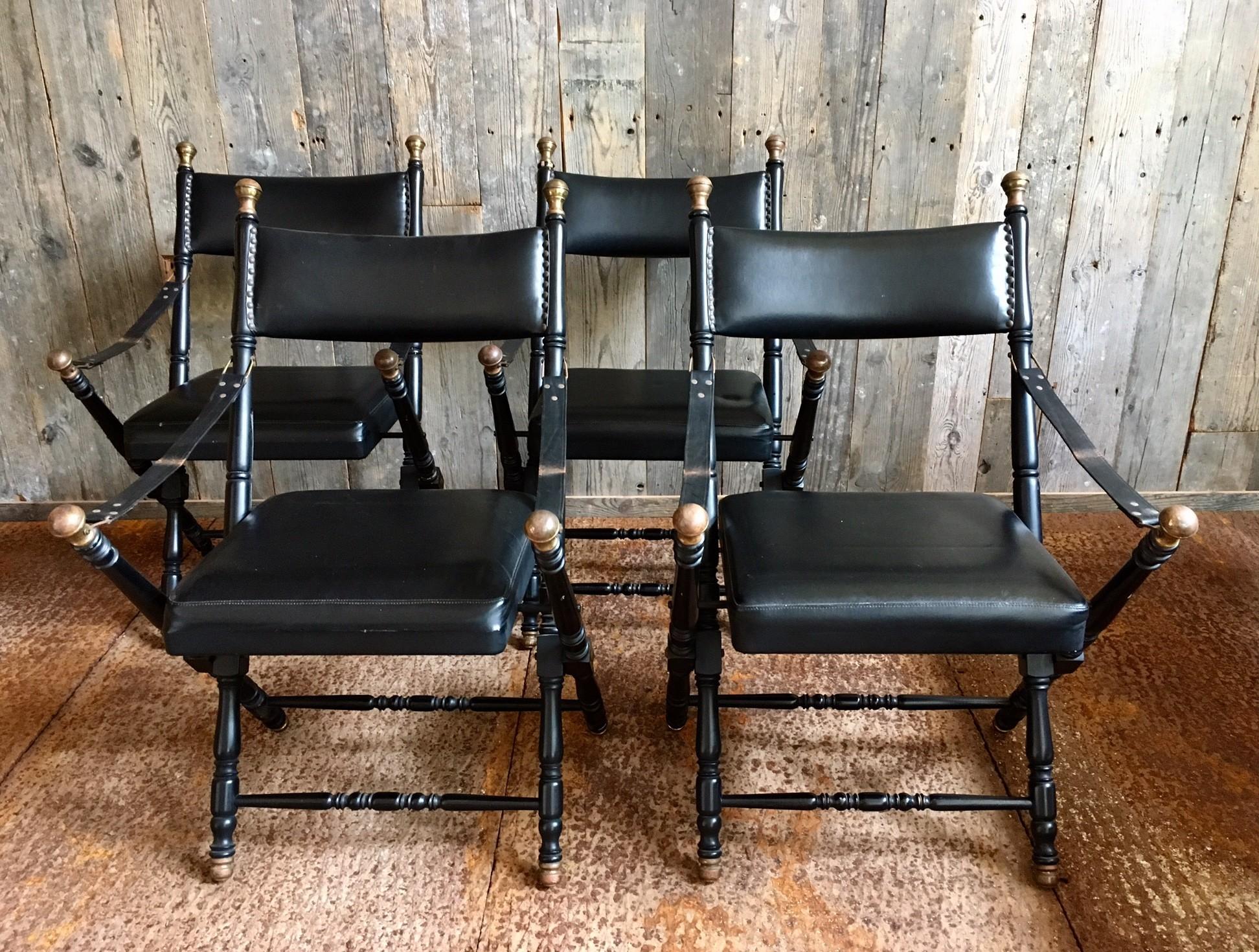 "Leren ""campaign chairs"" in de stijl van Maison Jansen"